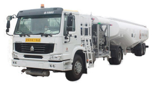 Sinotruck HOWO 35000L-50000L Aircraft Tanker (Tractor with JET A-1 Fuel Tank Trailer Aviation Kerosene, Aviation Gasoline, Jet Oil 9000USG -13200USG Refueler)